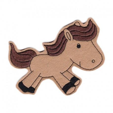Ló - barna